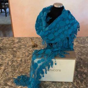 Laredo lace scarve